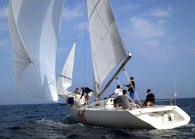 sailing-800831_1280