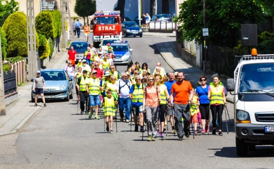 Aktywni na pograniczu - marsz nordic walking w Krzanowicach