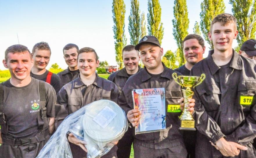 Strażacy z Borucina mistrzami gminy Krzanowice w zawodach sportowo-pożarniczych. Trzy puchary dla Pietraszyna