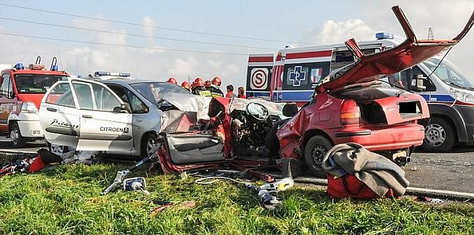Koszmarny wypadek na DW 916 za Ocicami