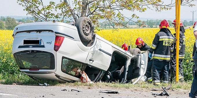 Trzy samochody zderzyły się na DW 416